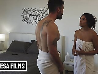 Horny Housewife Brooklyn Gray Shows Her Husband Just What She's Got