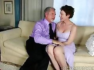 J Crew wrecks that milf pussy with his fat cock