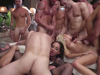 Babes Blue, Silvia, Joanna, Linda and Malena gets their ass and pussy fucked