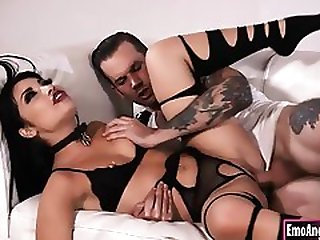 Goth Princess Rina Ellis Deeply Nailed In Her Coochie