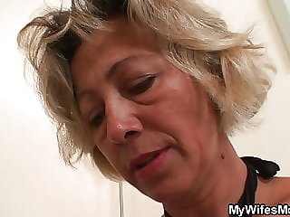 He fucks sexy girlfriends mom from behind