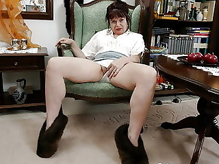 Old grandma Elisabeth (70) is fucked by a young cock