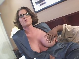 Black man can't resits hot mom Kayla Quinn and her marvelous tits