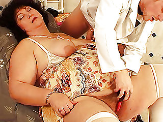 Fat wife fucked by her hairdresser